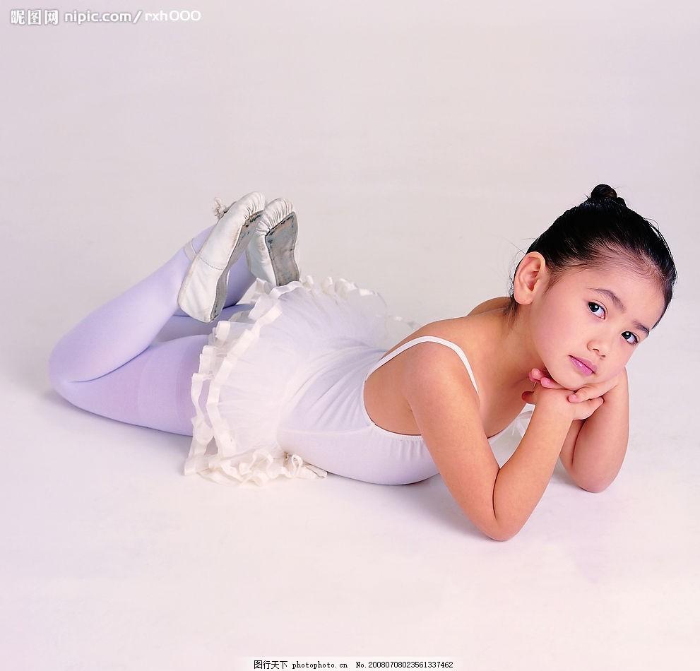 儿童表情 儿童写真 女孩 芭蕾舞装 摄影图库
