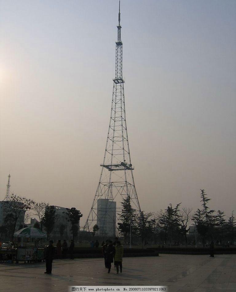 十一万线路铁塔图片