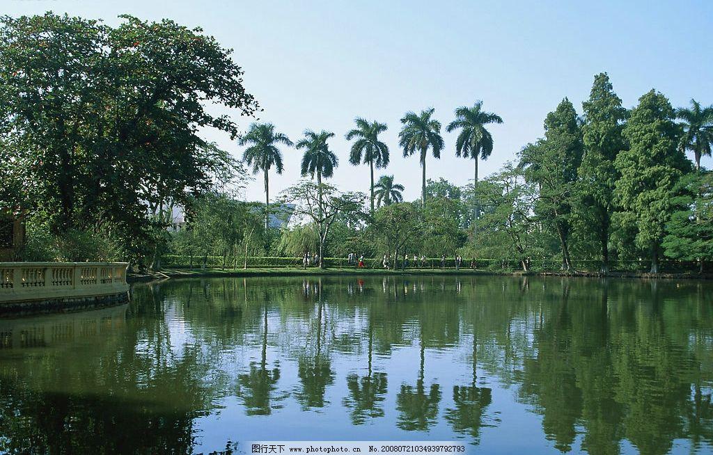 国外风光 湖水 树 倒影 幽静 风景 美丽 风景秀丽 建筑 自然美景