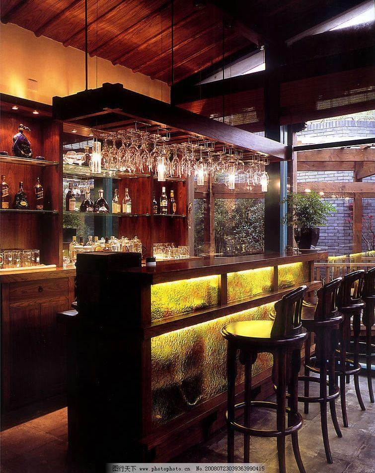 酒吧吧台 吧台 洋酒 酒瓶 酒杯 建筑园林 室内摄影 摄影图库 600dpi j