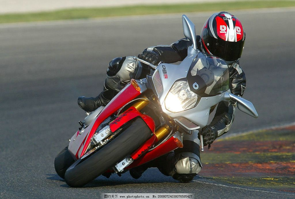 摩托车赛车 重型机车 摩托车赛车手 弯道转弯 交通工具 现代科技