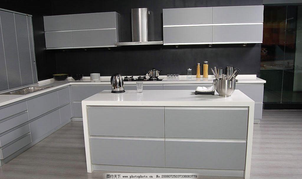 现代厨房 橱柜 厨具 餐厅 灶台 灰调 油烟机 锅灶 碗筷 欧式
