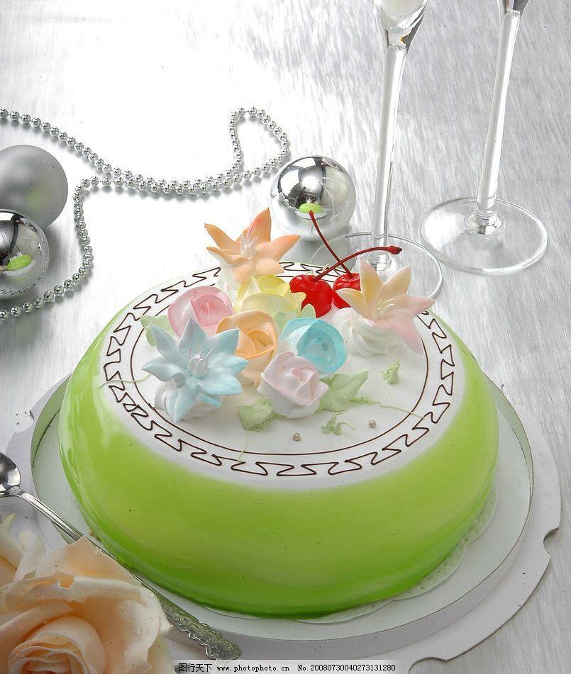 蛋糕 生日蛋糕 玫瑰花 酒杯 摄影图库图片