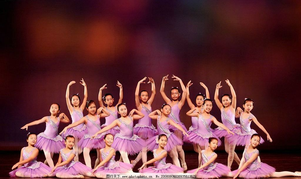 经典芭蕾舞造型合影图片