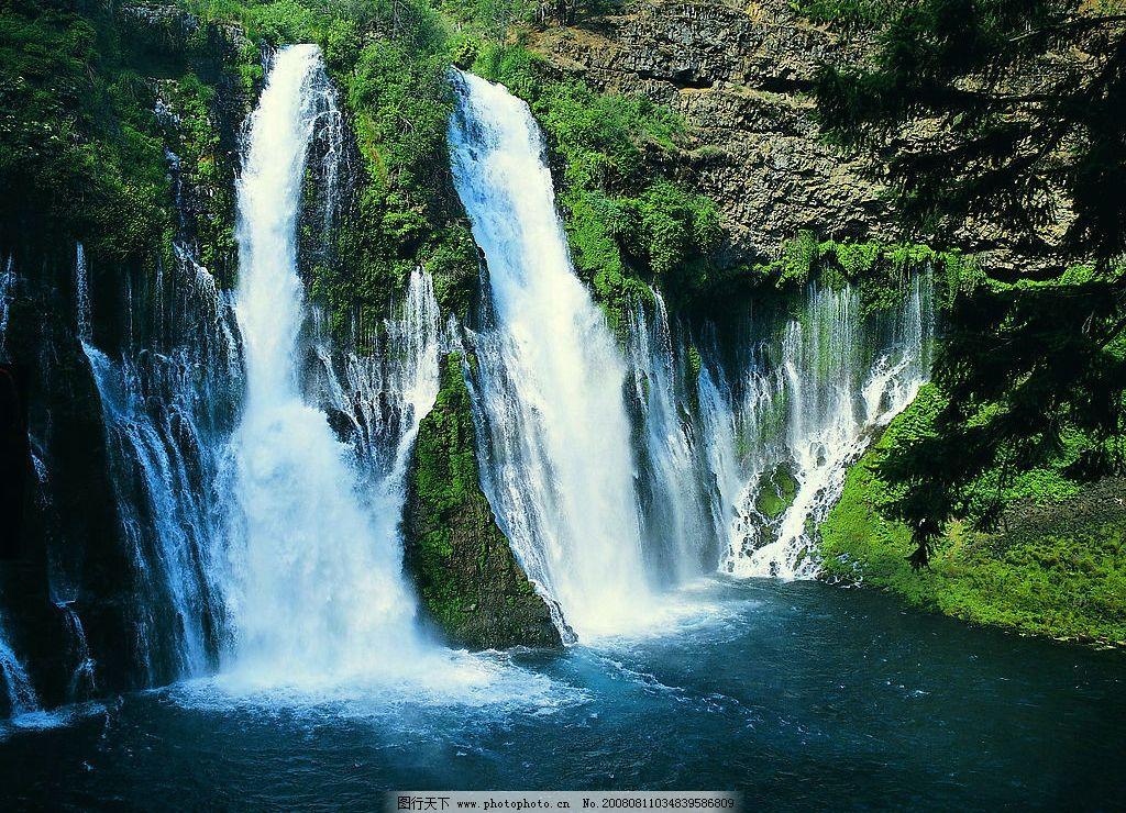 自然风景 清山 绿水 瀑布 树林 岩石 自然景观 清晰 摄影图库