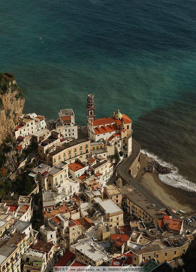 大海边 大海 礁石 房子 小镇 浪花 旅游摄影 人文景观 风景 摄影图库