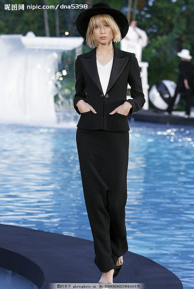 香奈儿 香奈儿服装模特 黑色 提包 时装模特 美女 性感 品牌