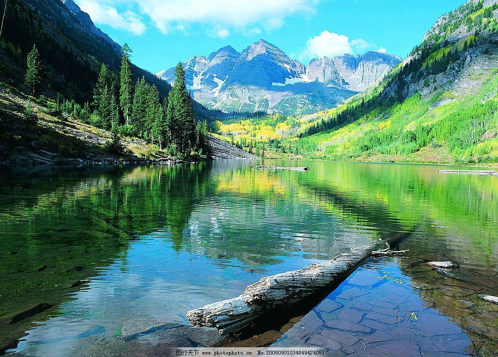 山峡美景 湖泊 湖水 枯木 倒影 蓝天 高山 高清壁纸 屏保 摄影图库