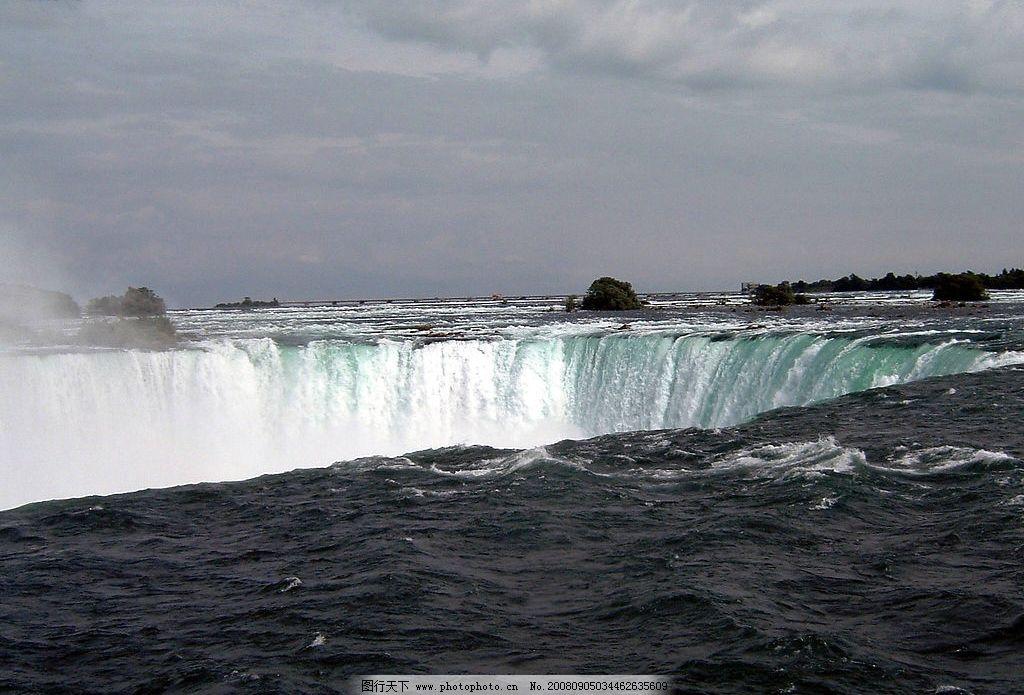 瀑布 波澜壮阔 天空 水势汹涌 自然景观 山水风景 摄影图库 72dpi jpg