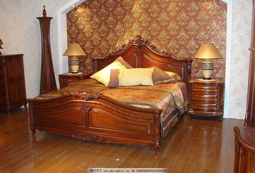 经典欧式家具卧室一角图片