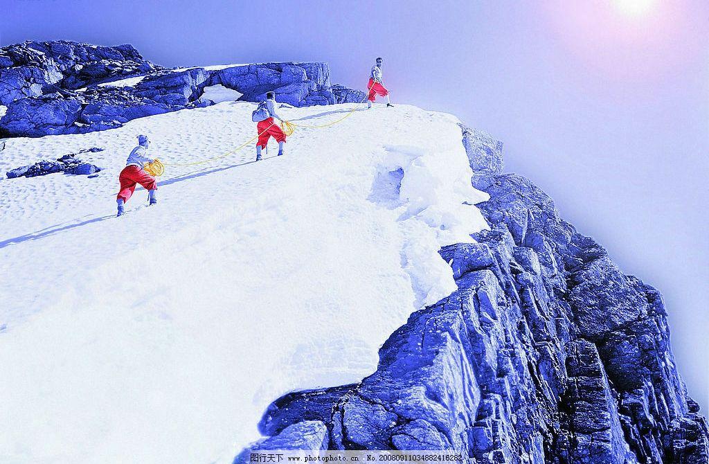 雪中登山 雪山风景 白雪风景 摄影图库