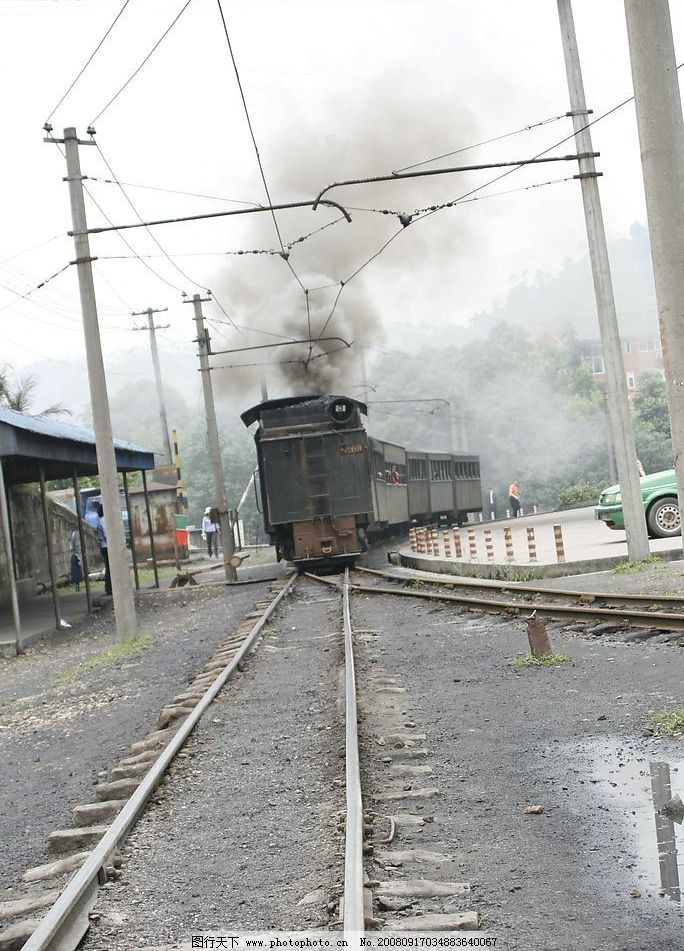 火车 车道 电线 电杆 自然景观 自然风景 摄影图库